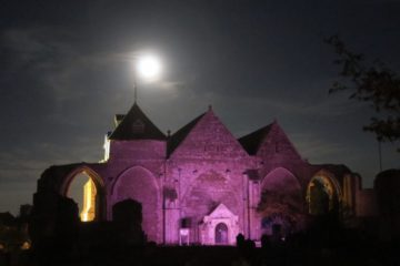 Winchelsea Church in purple lighting